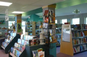 Intérieur de la bibliothèque de Cantley